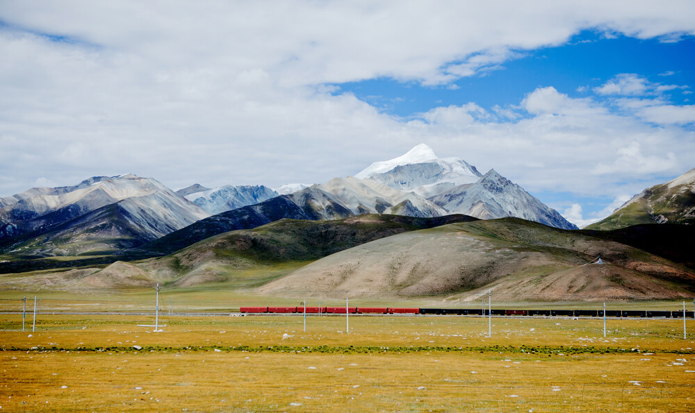 Tanggula-Mountain-Railway-Station-Tibet